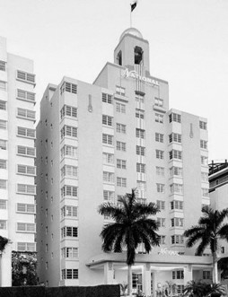 Originally A Twelve Story Hotel The St Moritz Is Now Lowe S Miami Beach Complex With Historic Art Deco Structure Connected To An Adjacent